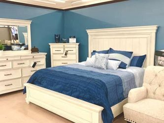 Kanwyn Whitewash Panel Bedroom Set (Queen and King Bed Frame for Sale in Austin,  TX