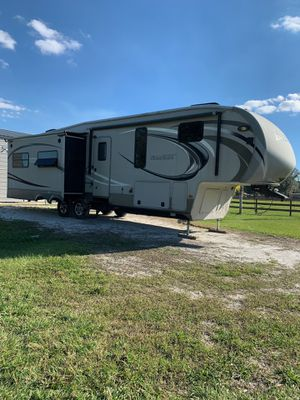 38ft Montana High Country RV 5th Wheel for Sale in Sarasota, FL
