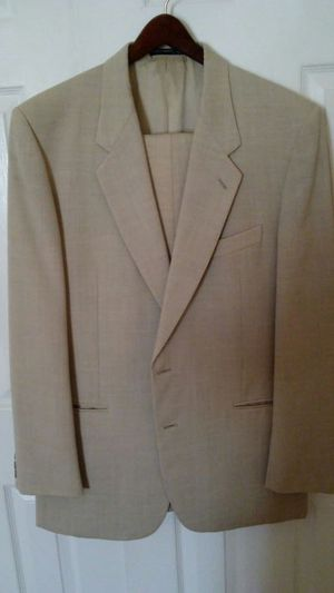 Elegant Coconut Grove Man Suit for Sale in Phoenix, AZ