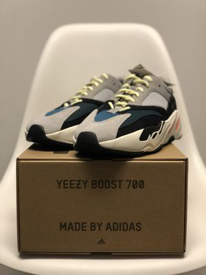 """Yeezy Boost 700 Adidas """"Wave Runner"""" 9.5 for Sale in Washington, DC"""