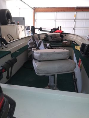 Boat motor and trailer good condition 3300 or best offer for Sale in Indianapolis, IN