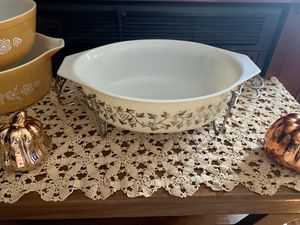 Vintage Pyrex Bowl with Stand for Sale in Baldwin Park, CA