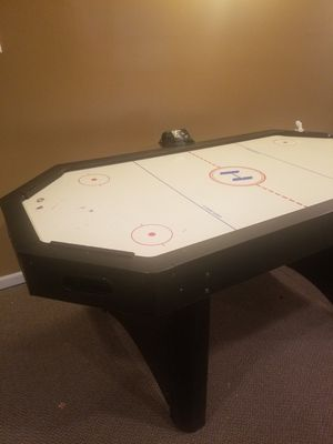 Air hockey table for Sale in Belleville, MI