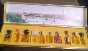 Antique perfume bottles of perfume for Sale in Saint Joseph, MO