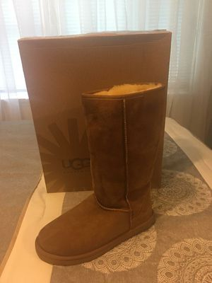 New Authentic Women's UGG Size 9 for Sale in Bellflower, CA