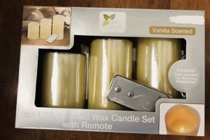 Brand new 3pc Led vanilla scented wax candle set with remote(pick up only) for Sale in Springfield, VA