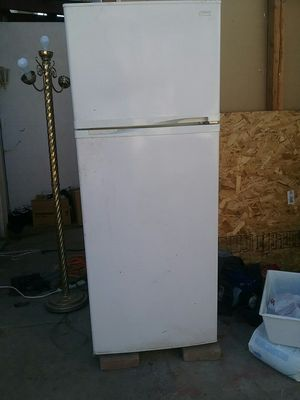 Refrigerator for Sale in Cutler, CA