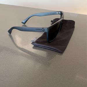 Knoxville XL Sunglasses for Sale in Visalia, CA