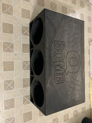 3 12 QBOMB BOX for Sale in Brooklyn, OH