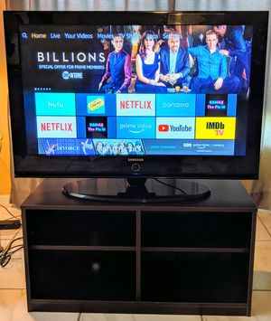 42 inch Samsung Plasma 📺 (TV base AND table included!!!) for Sale in Davie, FL