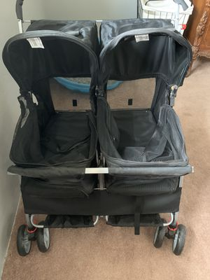 Double dog stroller for Sale in Bakersfield, CA