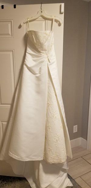 Wedding dress for Sale in Mountain Brook, AL