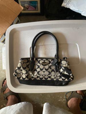 **REAL Coach handbag** for Sale in Virginia Beach, VA