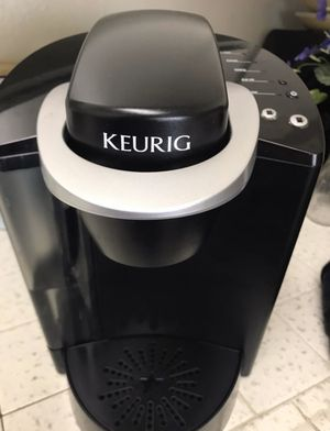 Keurig coffee maker don't work just the light on for Sale in Fresno, CA