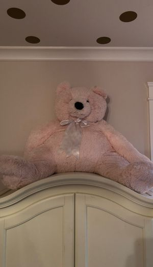 Big Pink teddy bear for Sale in Kirkland, WA