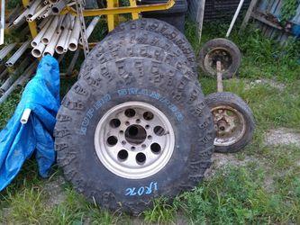 "37""X14X16"" Swamper Iroks. 8lug 16in Alum Newer Ford Wheels for Sale in Martinsville,  IN"
