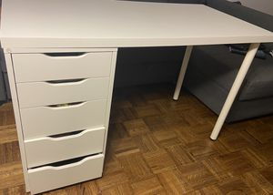 Work desk (IKEA, mint condition) + ergonomic chair for Sale in New York, NY