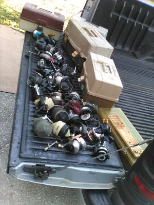 28 fishing reels + 4 tackle boxes + misc for Sale in Clearwater, FL