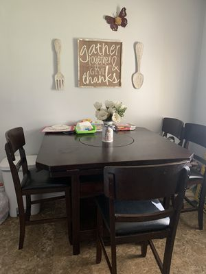 Dining room table for Sale in Upland, CA