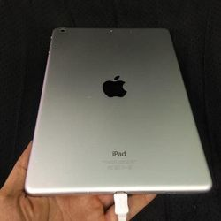 Apple iPad Air 1, Wi-Fi+ Sim ,Any Carrier Any Country, Excellent Condition, for Sale in Fort Belvoir,  VA
