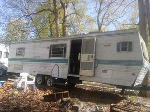 90 s 32 foot camper for Sale in Michigan City, IN