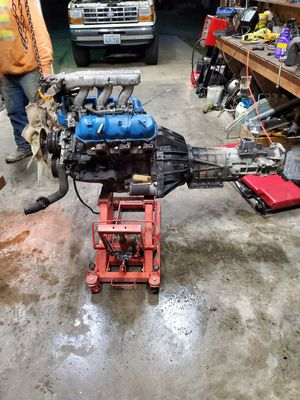 2.9 ford v6 2wd 5speed with dummy tcase for Sale in Lacey, WA