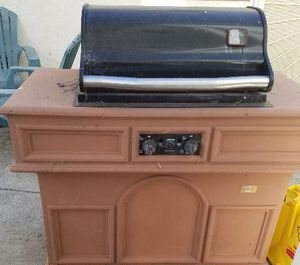 Straubel Stone Bbq Grill for Sale in Oakland, CA