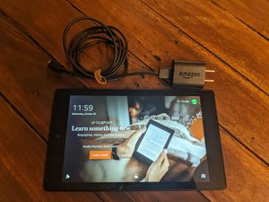 """Amazon Kindle Fire HD 8 5th Gen SG98EG 8"""" Android Tablet W/ Charger for Sale in S CHEEK, NY"""
