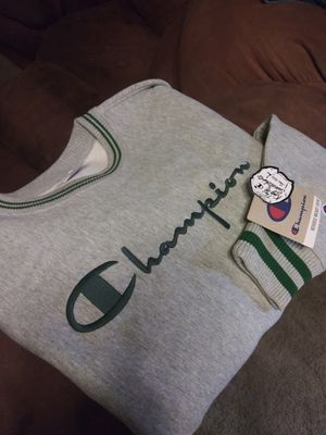 Champion & levi's for Sale in Bloomington, CA
