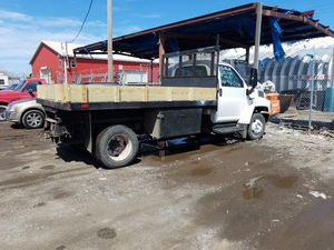 2005 chevy 4500 dump truck for Sale in Chicago, IL