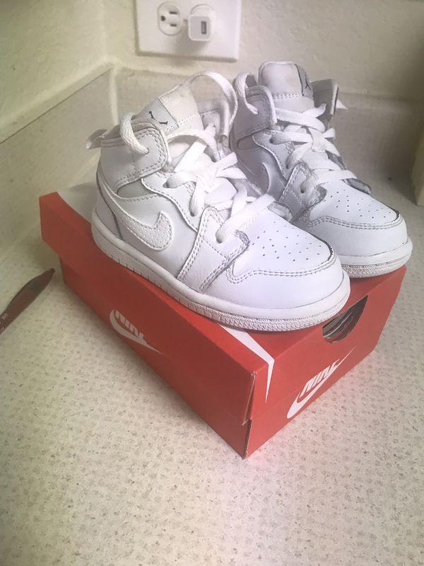 Kids Nike's size 7