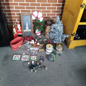 Christmas Primative Lot for Sale in Manheim, PA