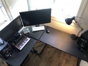 Black wooden L shape Office Desk for Sale in Seattle, WA