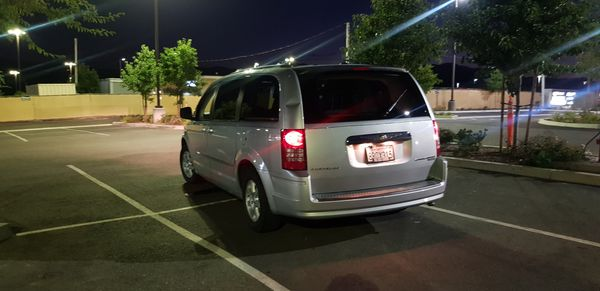 2010 CHRYSLER CARAVAN 101000 MILES CLEAN TITLE SUPER NICE EVERYTHING WORKS NO ISSUES.
