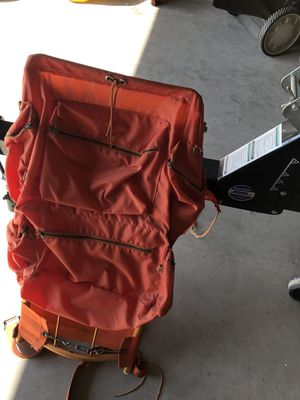 Hiking aluminum frame backpack for Sale in Escalon, CA
