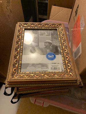 5x7 Gold Picture Frame for Sale in Washington, DC