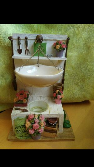 Tealight candle/ oil warmer potting shed for Sale in Fresno, CA