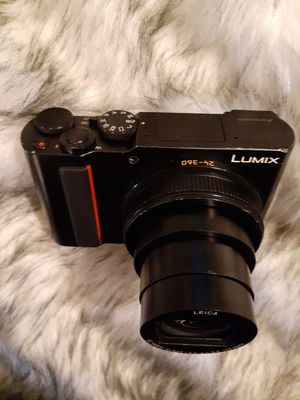 Panasonic Lumix DC-ZS200 20.1 MP 4K Digital Camera + Leica Zoom lens Point and Shoot for Sale in Seattle, WA