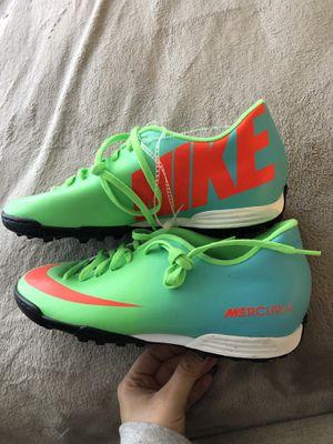 Nike indoor cleats size 9 women's 7 men for Sale in Fresno, CA