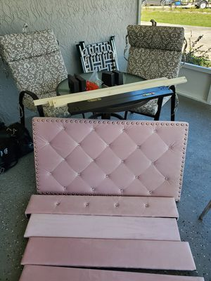 Single bed pink for a little girl for Sale in Sebring, FL