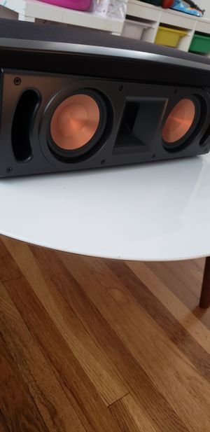 Klipsch rc52ll like new conditions for Sale in Los Angeles, CA