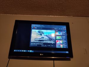 32-in 720P LG TV for Sale in Lexington, KY