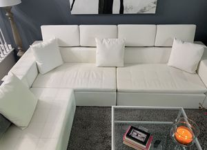 Bueatiful white sectional couch for Sale in Laurel, MD