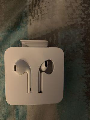 iPhone earphones Apple not wireless for Sale in San Bernardino, CA