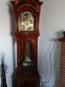 Grandfather Clock 92in. Heritage Heirloom for Sale in Tacoma,  WA