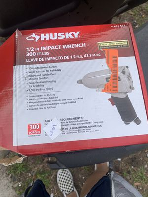 1/2 in impact wrench 300 ft-lbs Husky for Sale in Tampa, FL