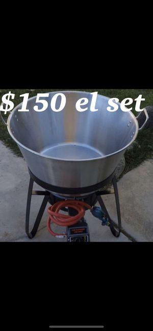 Caso grande de acero con vase i quemador i mangera for Sale in Downey, CA