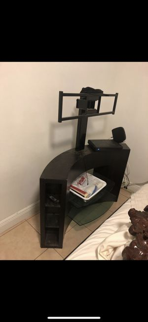 Tv stand with shelf's for Sale in Hollywood, FL