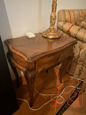 Victorian Antique End Table for Sale in Miami, FL