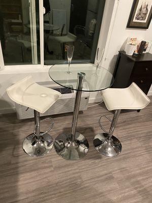 Camargo Swivel Adjustable Height Bar Stools w/ glass top table for Sale in Portland, OR